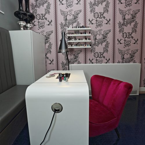 Nail desk in beauty room 500x500 DIY   SOS Blackpool Carers Center Uncategorised    Image of Nail desk in beauty room 500x500